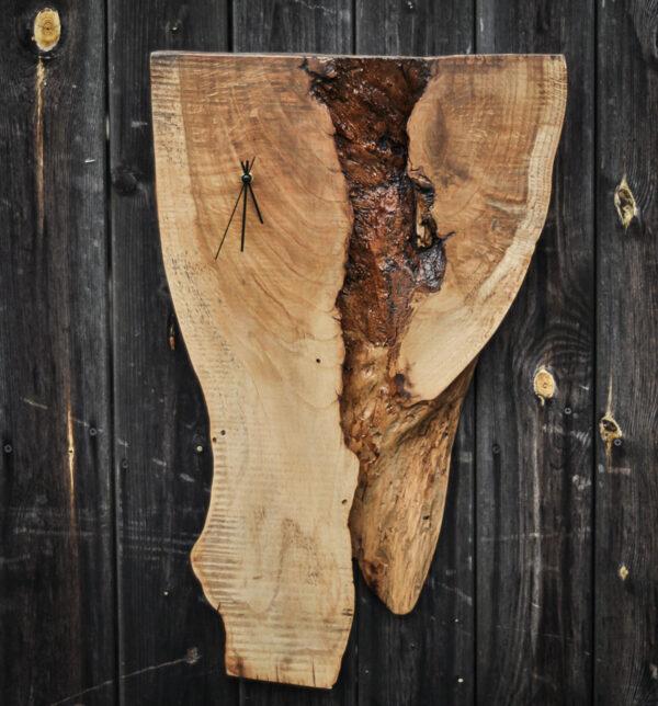 zegar drewniany na ścianę