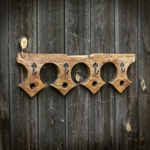 wieszak drewniany z deski