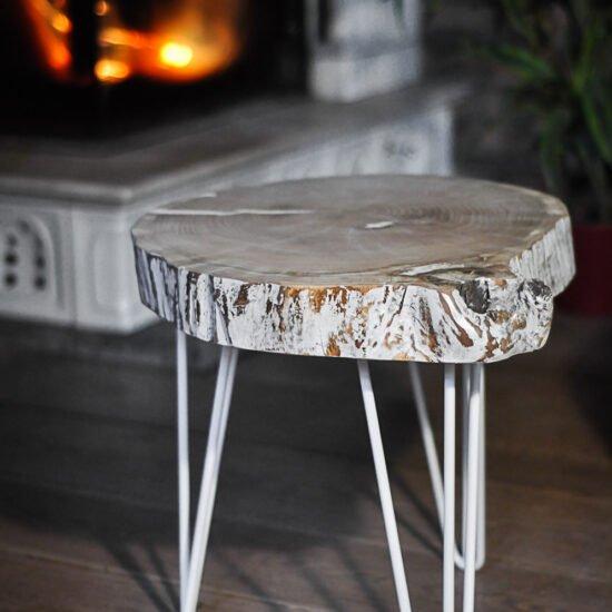dębowy stolik kawowy z bielonym blatem