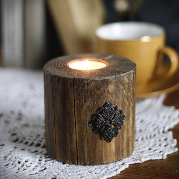 drewniany świecznik na prezent