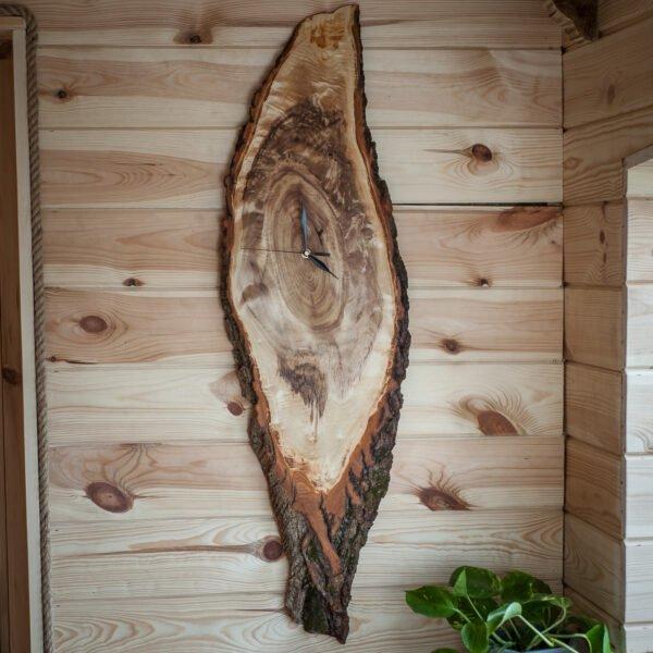 drewniany zegar z plastra topoli